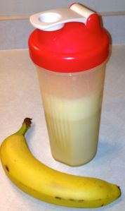 protein-shake-in-blender-bottle1